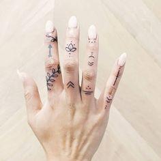 24 Top Amazing Ideas For Finger Tattoos Finger Tattoo Finger Tattoo Designs, Hand And Finger Tattoos, Finger Tattoo For Women, Small Hand Tattoos, Hand Tattoos For Women, Finger Tats, Henna Tattoo Designs, Mini Tattoos, Body Art Tattoos