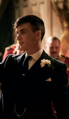 Good haircuts on men Peaky Blinders Poster, Peaky Blinders Wallpaper, Peaky Blinders Series, Peaky Blinders Tommy Shelby, Peaky Blinders Thomas, Cillian Murphy Peaky Blinders, Thomas Shelby Haircut, Cool Haircuts, Cool Hairstyles