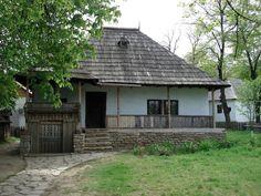 Forumul educational SEI -> Fotografii... Cabin, Education, House Styles, Home Decor, Decoration Home, Room Decor, Cabins, Cottage, Onderwijs