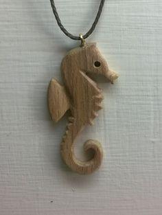 Zeepaard hanger door RiksGewijs op Etsy Hand Wax, Carving, Pure Products, Pendant, Shop, How To Make, Handmade, Etsy, Color