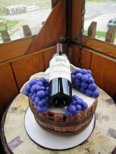 My wedding is 1 month away. Bridal Shower Wine, Bridal Shower Cakes, Bridal Showers, Wine Theme Cakes, Strawberry Cake Pops, Barrel Cake, 40th Cake, Wine Decor, Cake Pictures