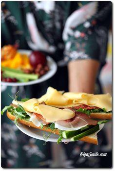 KANAPKA Z SEREM Cantaloupe, Eggs, Fruit, Breakfast, Food, Morning Coffee, Meal, Egg, The Fruit