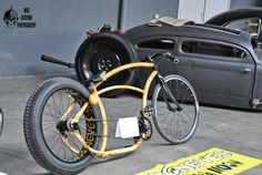 Choose your ride. Rat bike or Rat bug? I personally am partial to both. Bicycle Cart, Cruiser Bicycle, Cool Bicycles, Cool Bikes, Trike Scooter, Chopper Bike, Mini Chopper, Bicycle Workout, Push Bikes