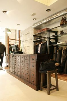 Interior ideas for shop and store. Boutique Design, Visual Merchandising, Retail Interior Design, Interior Ideas, Suit Stores, Clothing Displays, Design Furniture, Design Desk, Restaurants