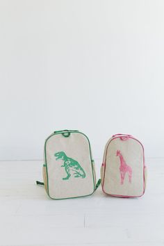 mini style + soyoung + Anthem of the Ants http://us.soyoung.ca/collections/toddler-backpacks/products/pink-giraffe-toddler-backpack