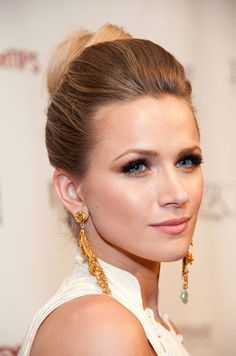 This not overly sleek yet not overly textured high updo is super chic, especially when paired with an amazing pair of earrings.
