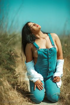 Now you are one of them to search girl dp Beautiful Indian Actress, Beautiful Asian Girls, Indian Beauty Saree, Hot Actresses, Hottest Models, Sexy Hot Girls, Stylish Girl, Sexy Outfits, Bikinis