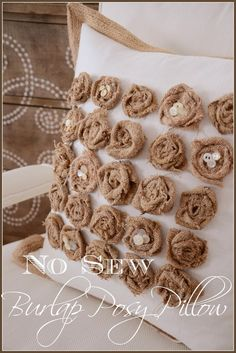 NO SEW BURLAP POSY PILLOW Easy and perfect for spring!