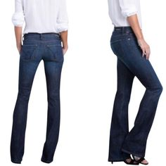 """COH Kelly stretch low waist bootcut jean Lovingly worn- only signs of wear are on the back hem, otherwise in beautiful condition! Inseam is 30"""" Citizens of Humanity Jeans Boot Cut"""