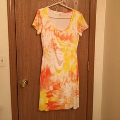 Shop Women's Calvin Klein White Yellow size Size 8 Other at a discounted price at Poshmark. Description: Kelvin Klein spring/summer dress. Size 8. New wot. Sold by jennawren. Fast delivery, full service customer support.