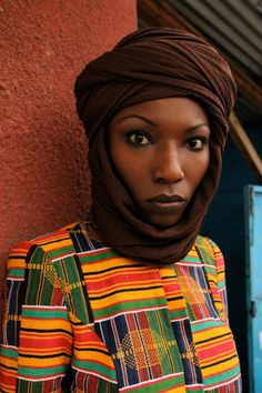 Retour au pays natal...c'est ce que m'inspire ces photos du lookbook de la très prometteuse et talentueuse Loza Maleombho !   Ce même senti...