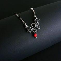 Lacrimosa:+srebrny,+delikatny+naszyjnik+w+Feminine+na+DaWanda.com
