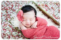 Jenn Tuttle Loveographer Newborn Photographer.  *This is soooo precious!!!!*