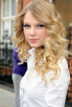 rare pictures of taylor swift    Haii  this is  Taylor Swift shake it off Cover with the totally different Version of Taylor Swift version
