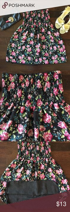 Reversible floral/polka dot strapless flowy top Two tops in one! Strapless flowy top/tunic (or minidress if you can pull it off!) in a fun floral on one side and a black/white polka dot print on the other! 100% polyester, like-new condition. Since this is a reversible garment, there's no tag. Approx measurements = 19 in drop from bottom of the elastic bunched up part to bottom gen, 13 armpit to armpit laid flat. There's lots of stretch so I'd say fits a S-M. Tops