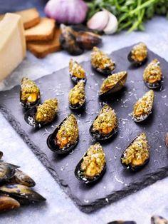 Moules au barbecue farcies gratinées au parmesan : Recette de Moules au barbecue farcies gratinées au parmesan - Marmiton