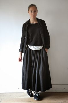 "Jupe ""femme"", lainage gris"
