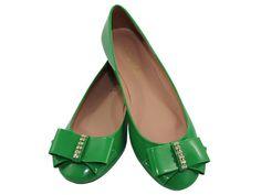 Sapatilha Verniz Laço Verde, DE R$109,90 POR R$79.90 + frete grátis! Para verificar a numeração e efetuar a compra é só entrar em contato pelo e-mail: vendas@sapatilhashop.com.br