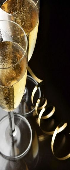 Champagne glasses with sparkling juices. Alcohol-free and family friendly!