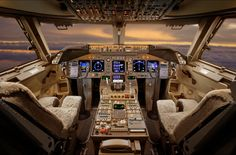 Inside a private jet pilot cabine Jets Privés De Luxe, Luxury Jets, Luxury Private Jets, Private Plane, Luxury Helicopter, Private Jet Interior, Flight Deck, Jet Plane, Its A Mans World