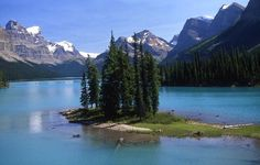 Google Image Result for http://www.travel-notes.org/photos/spirit_island_jasper.jpg
