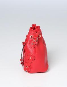 Damen Choose Red von Jones online kaufen   Jones Fashion Jones Fashion, Mode Online, Elegant, Bucket Bag, Red, Bags, Shopping, Dapper Gentleman, Handbags