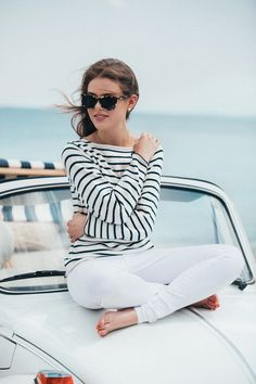 White jeans, white and navy striped jumper, and tortoiseshell sunnies. [Beach Buggy - sophieshoelover.com]