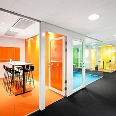 An open, modern building that supports our way of working and sets the focus on sustainability – these were a few of the guiding objectives for reshaping and renovating the Sweco Building.Creative meetings are central for the company Sweco. Corporate Office Design, Corporate Interiors, Office Interiors, Corporate Offices, Home Office Furniture Design, Office Interior Design, Office Designs, Office Ceiling, Office Walls