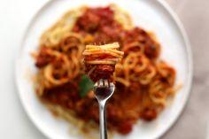 Jo Mama's World Famous Spaghetti - Delicious Dishes - Restaurant Famous Spaghetti Recipe, Spaghetti Recipes, Pasta Recipes, Best Dinner Recipes, My Recipes, Italian Recipes, Cooking Recipes, Italian Dishes, Recipies