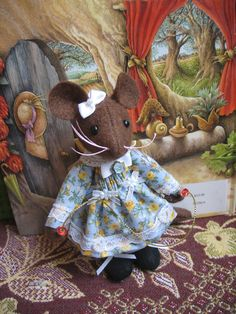 LILLYBERRY Wee collectable Little Mouse So by dollsandbunnies