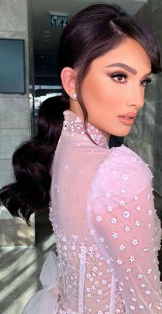 Soft Wedding Makeup, Bridal Makeup Looks, Bride Makeup, Glam Makeup, Eye Makeup, Wedding Beauty, Pretty Hairstyles, Wedding Hairstyles, Neutral Makeup Look