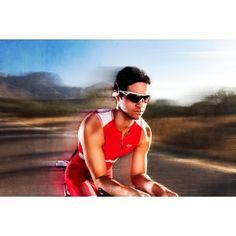 Go - Waterproof / Sweatproof / Sports MP3 Player Headphones - 2GB - In-ear Earbuds Style (AKA Wave)