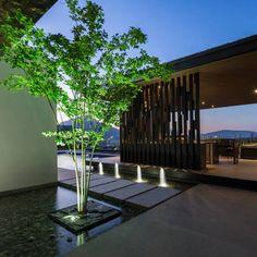 GLR Arquitectos の モダンな 庭