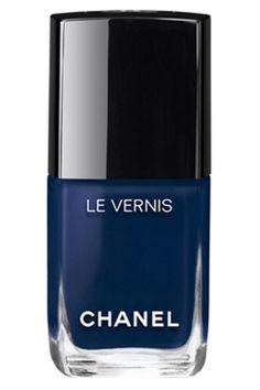elle-blue-nail-polish-chanel