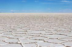 Salar do Uyuni - Localizado no sul da Bolívia, próximo das fronteiras com o Chile e a Argentina, é a... - Foto: Ticiana Giehl e Marquinhos Pereira/Desempacotados