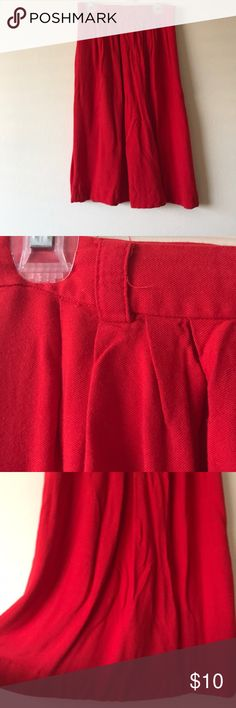 Skirt mid length Cute Forever 21 mid length skirt. Forever 21 Skirts Midi