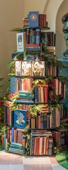 An adorable Christmas tree decorating idea for book lovers. This tree was in the White House in 2013!