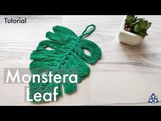 In this video I will show you How to make macrame Monstera Leaf with easy Trick. You can use it like macrame keychain, macrame wall hanging or some other mac. Macrame Design, Macrame Art, Micro Macrame, Weaving Projects, Macrame Projects, Macrame Plant Hanger Patterns, Crochet Wall Hangings, String Crafts, Macrame Tutorial