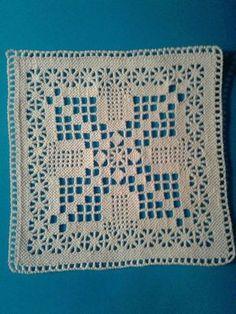 Crochet Pillow Patterns Free, Crochet Bedspread Pattern, Crochet Squares Afghan, Filet Crochet Charts, Crochet Motifs, Granny Square Crochet Pattern, Crochet Stitches Patterns, Thread Crochet, Crochet Doilies