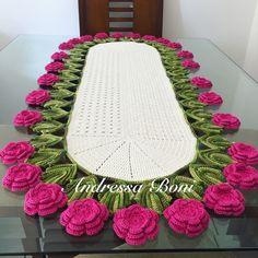 Caminho de mesa,trilho de mesa, flores,linha duna,crochê