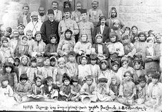 Women and children rescued in Der'a in spring 1918.
