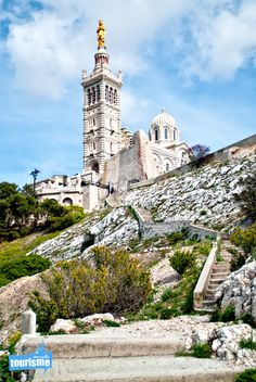 Notre Dame de la Garde à #Marseille, Venez visitez les incontournables de #Marseille.