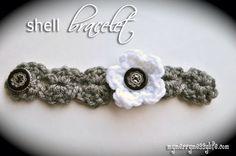 Crochet Shell Bracelet {free crochet pattern}