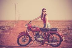 Girl on an old motorcycle: Post your pics! Moto Jawa, Girl Riding Motorcycle, Jawa 350, Royal Enfield Bullet, Old Motorcycles, Old Bikes, Cafe Racer, Hot Rides, Custom Bikes