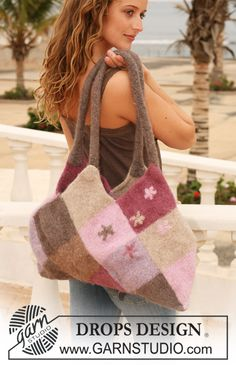 Super trendy #felted bag with squares in by #garnstudio #knitting