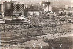 Mermaid Lido and Durban Beach. old durban - Google Search Margate South Africa, News South Africa, Durban South Africa, Kwazulu Natal, Sun City, African History, South Beach, Old Pictures, Live