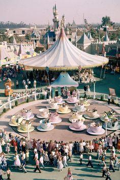 These Retro Disneyland GIFs Will Make Your Heart So Happy