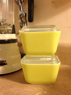 Verde Pyrex Yellow-Green Fridgie 501s with Lids- Set of 2 on Etsy, $20.00