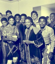 Triumph Tour backstage ;) Michael Jackson - Cuteness in black and white ღ  @carlamartinsmj