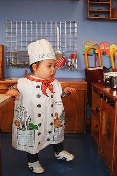 disfraz casero de chef - Buscar con Google Halloween Diy, Halloween Costumes, Community Helpers Preschool, Chef Party, Old Teacher, Dramatic Play, Kids Corner, My Princess, School Projects